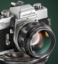 Minolta SRT303 iluminada por capas.