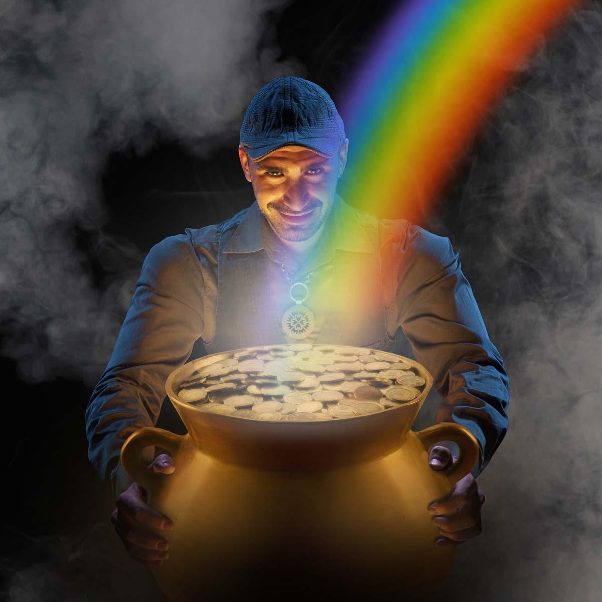 Damian es un Leprechaun en el inicio del arco iris.