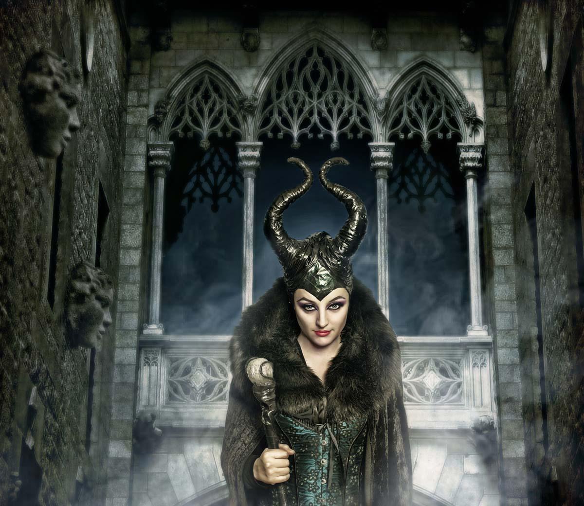 Laura en su papel de Maléfica.