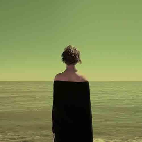 Poetas visuales que trascienden más allá del documental el retrato o la instantánea, Que ponen música a las sus fotografías.