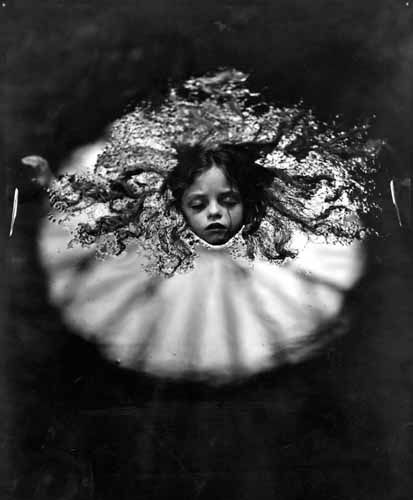 Grandes fotógrafos/as  de niños; Sally Mann