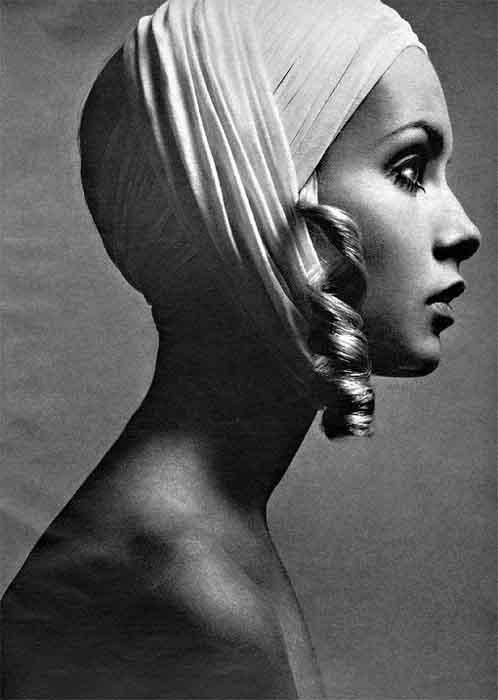 grandes-fotógrafos-de-retrato-Richard Avedon-Twiggy-1967.