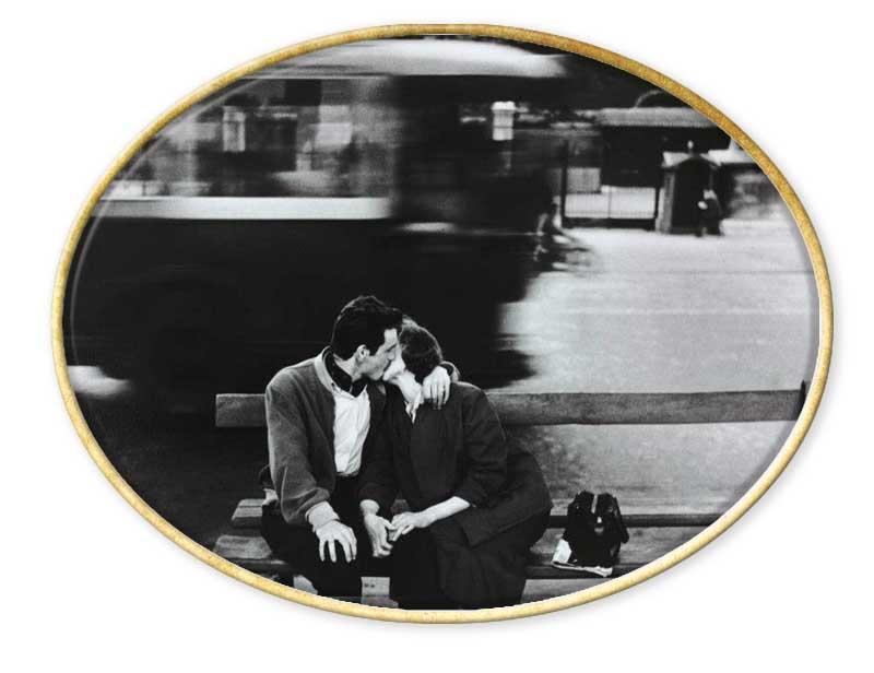 Nace en Santa Margherita Ligure el año 1930. Se dedica a la fotografía desde 1954.