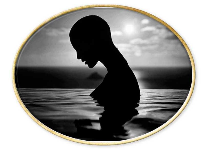 Fotógrafo nacido en El Havre, Francia en 1943.