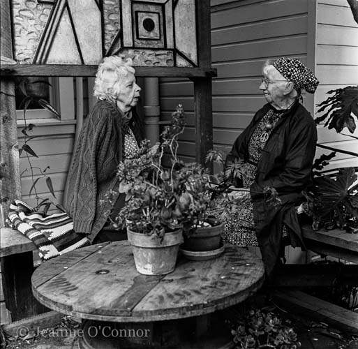 Imogen Cunningham and Lisette Model in Imogen's garden