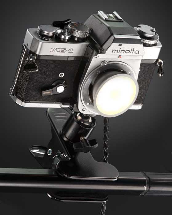 lámparas hechas con cámaras fotográficas 2